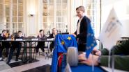 Kinderen kruipen in huid van Europese ministers in kasteel d'Ursel
