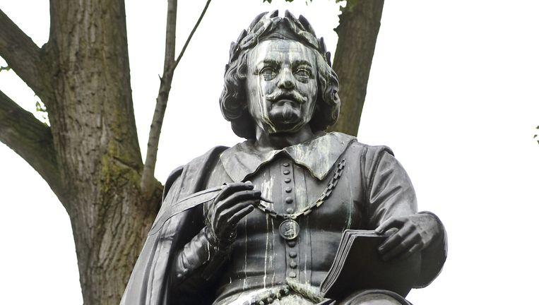 Standbeeld van Vondel in Amsterdam. Beeld Nadja Kieft