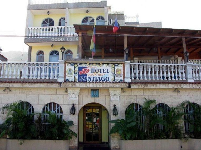 Hotel Santiago, voorzien van een zwembad en zicht op zee.