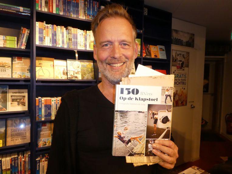 Schrijver Erik Jan Harmens, die door Harmen meer vertrouwen kreeg in de mens. Beeld Hans van der Beek