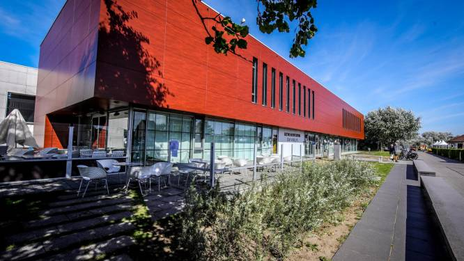 Bredene stelt MEC Staf Versluys ter beschikking als vaccinatiecentrum