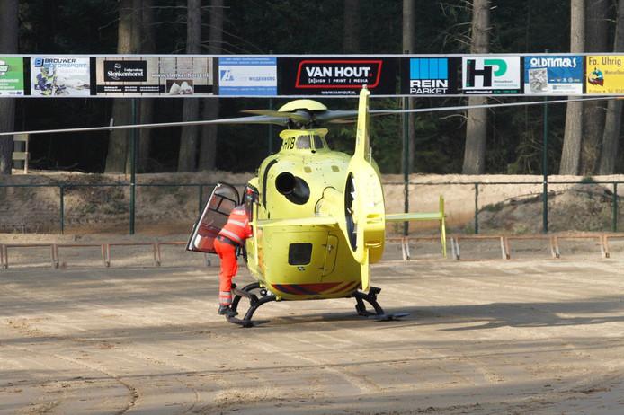 De traumaheli landde zaterdagmiddag op het startterrein van motorcrossclub MC Volgas in Ermelo.