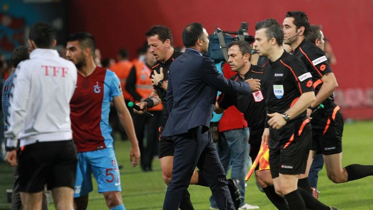 Agressie tegen official kost trabzonspor vier matchen for Net 5 achter gesloten deuren