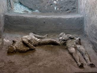Archeologen vinden uitzonderlijk goed bewaarde resten van rijke man en slaaf in Pompeï