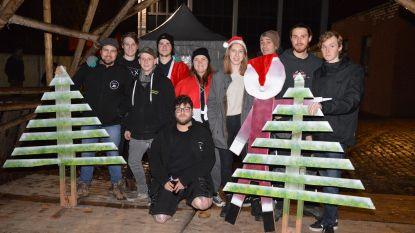 Denderleeuw: iedereen in kerststemming aan jeugdhuis Stam X