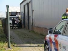 Politie doet inval bij bedrijfspand in Steenwijk en ontdekt hennepkwekerij