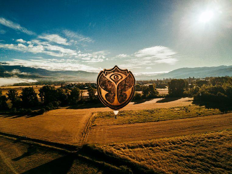 Luchtballon Tomorrowland (Zephyr), One World Radio