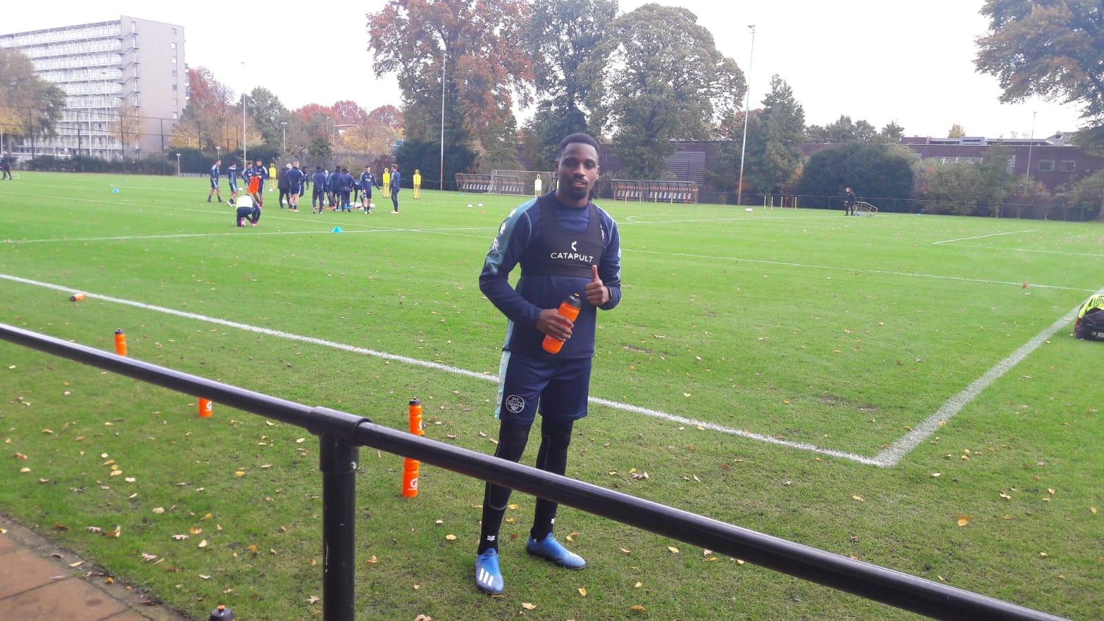 Elton Kabangu is terug op het trainingsveld bij Willem II.
