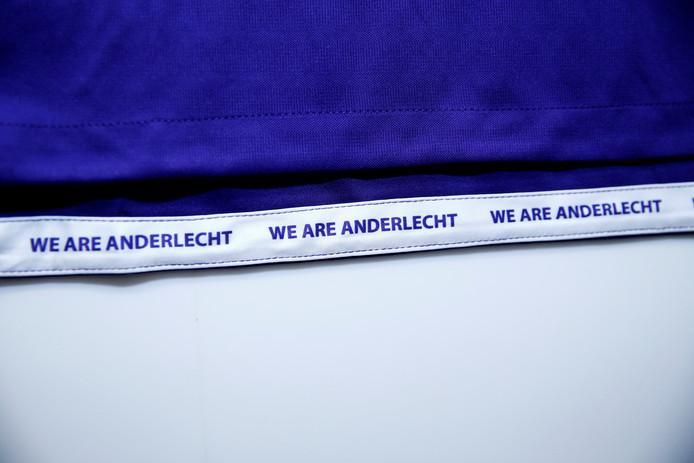 We Are Anderlecht, le slogan choisi par les supporters pour garnir les nouveaux maillots du Sporting.