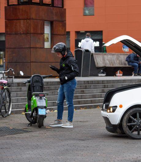 Nog geen extra regels voor foutparkeren deelscootertjes in Geldrop