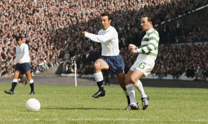 Jimmy Greaves namens Spurs in 1967 in Glasgow tegen Celtic.