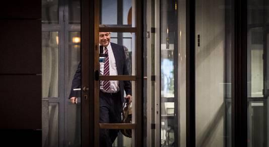 John van der Ent doet het licht uit bij Vroom en Dreesmann. De op 1 maart 2015 gestarte topman kreeg maar 9 maanden, om precies te zijn tot Oudejaarsdag, om het tij te keren. Tevergeefs.