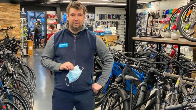 """Fietswinkels draaien op volle toeren maar fabrikanten kunnen niet volgen: """"De voorraden voor specifieke fietsen en onderdelen zijn uitgeput"""""""