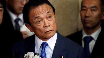 Japanse minister van Financiën geeft toe dat hij documenten vervalste, maar weigert op te stappen