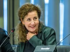 Van Engelshoven komt 'voor de kerst' met plannen tentoonstelling geboortepapieren Nederland
