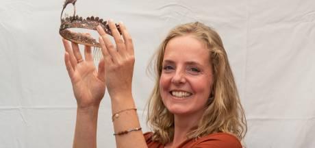 Met deze bijzondere techniek en engelengeduld maakt Suzan (41) de prachtigste koperen sieraden