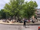 Het pleintje op de Linneausparkweg is omgetoverd tot terras.