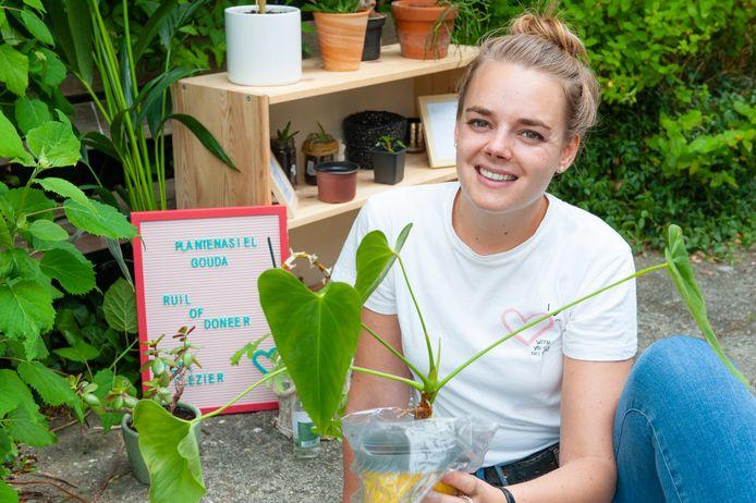 Jeanine Frenk is naast haar werk als fysiotherapeute een plantenasiel in de Krugerlaan begonnen.