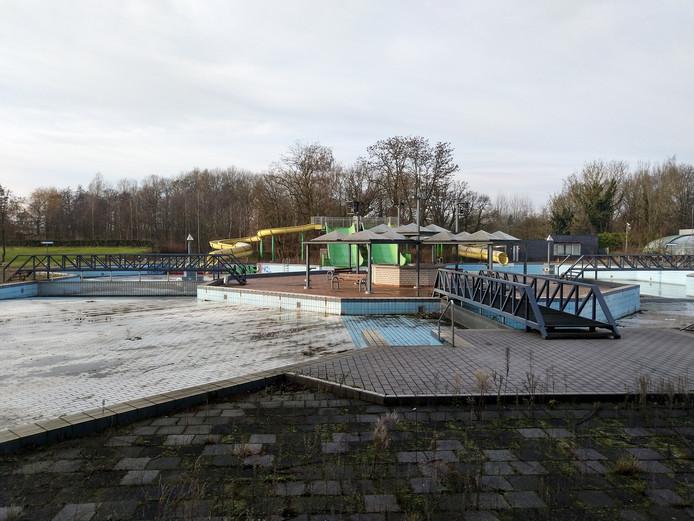 Het gesloten buitenbad bij zwembad de Tongelreep in Eindhoven.