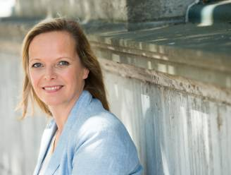 Schrijfster Hilde Vandermeeren (50) wordt ereburger van Torhout