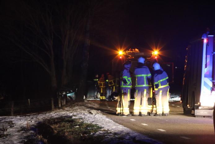 Eén persoon kwam bij het eenzijdige ongeval op de Bergweg om het leven.