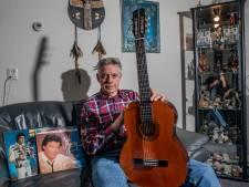 Joop Vogelenzang uit Apeldoorn heeft met gitaar eindelijk tastbare herinnering aan Jack Jersey