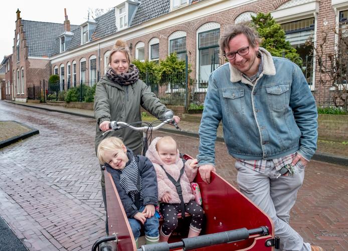 Leo en Pam Verbeek met Gijs (links) en Suus.