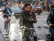 Waarom appen op de fiets zo onverstandig is