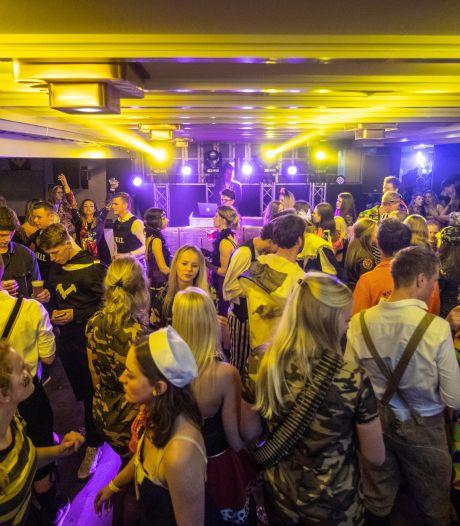 De Smoezen uit Vroomshoop bereiden carnaval toch voor: 'Juist nu hebben mensen er behoefte aan'