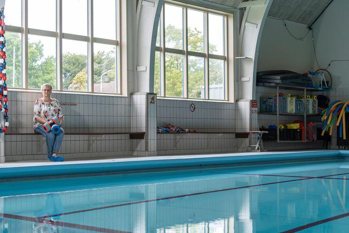 Archieffoto van secretaris Jessica Ahrens bij zwembad Dol-fijn