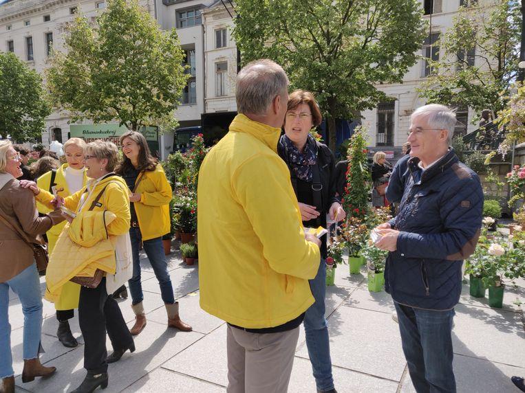 Het N-VA-team trommelde minister-president Geert Bourgeois op. Links: Elke Sleurs.