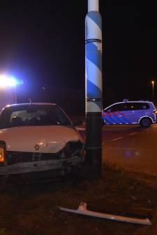 Afrit A73 bij Nijmegen tijdelijk afgesloten vanwege botsing met twee auto's
