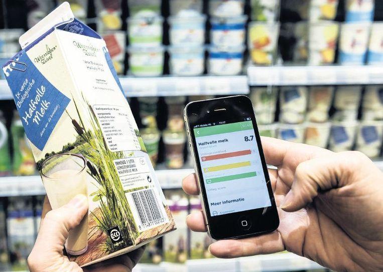 De app van Questionmark vertelt hoe een product scoort op duurzaamheidsaspecten. In de app zijn zo'n 22.000 producten opgenomen Beeld anp