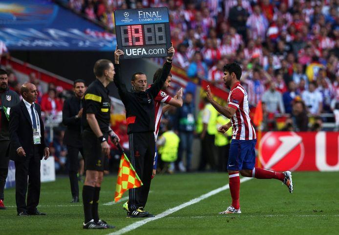 Diego Costa moet al snel het veld af in de Champions League-finale tegen Real in Lissabon.