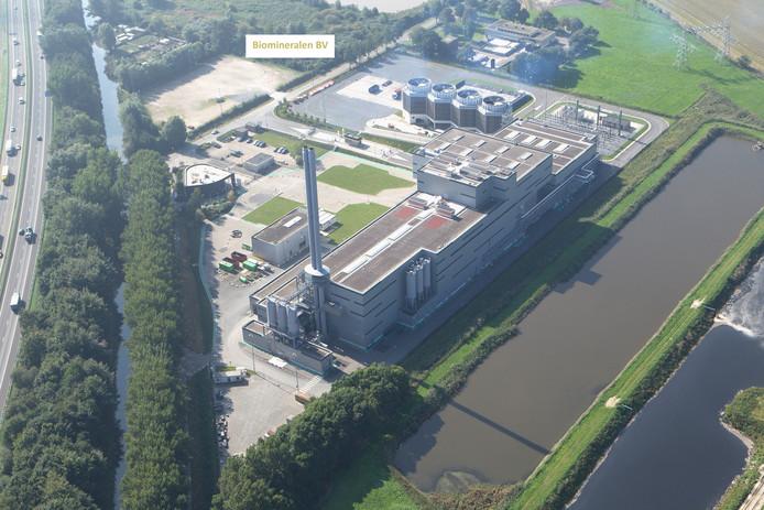 De fabriek van Suez/Sita vanuit de lucht. Op de ruimte linksboven wordt de biomineralenfabriek gebouwd.