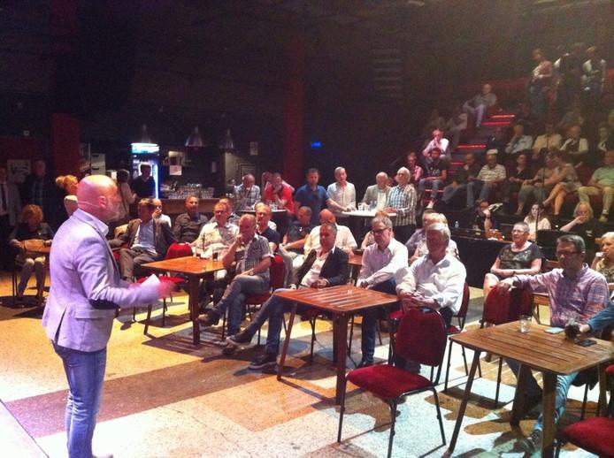 Het debat in Oss wordt geleid door BD-verslaggever Theo van de Zande.