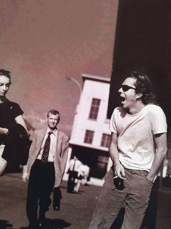 Vader Pierre Debonne liep mooi in beeld bij een fotoshoot van dEUS.