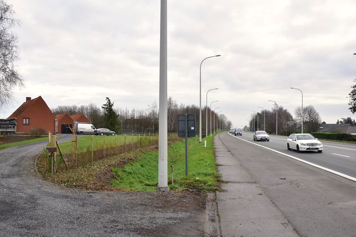 De controle vond plaats in een schuur naast een woning langs de Rijksweg in Lendelede.