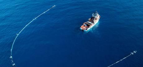Plasticvanger van Ocean Cleanup op weg naar drijvende vuilnisbelt bij Hawaï
