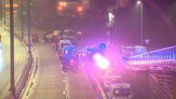 VIDEO. Vrachtwagenbestuurder die geel hesje doodreed is zelf naar de politie gestapt, getuige  vertelt over het incident