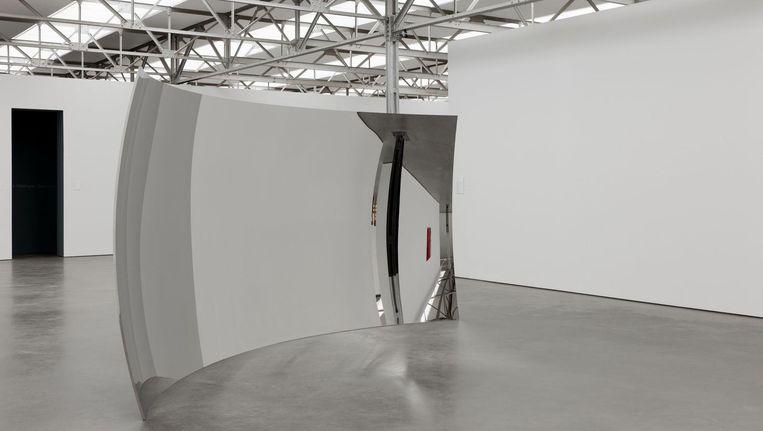 Anish Kapoor, Vertigo, 2008. 'Het is aantrekkelijk en vervreemdend, dit werk.' Beeld