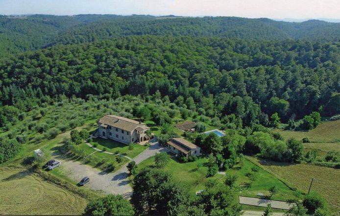 Het appartementencomplex van Martijn en Kim Vellekate uit Etten-Leur in Umbrië bevindt zich in een natuurlijke, weidse omgeving.