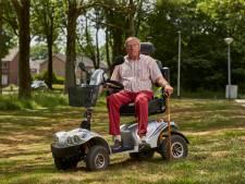 Terwijl Wim (75) boodschappen doet wordt zijn loopkruk gestolen in Zutphen