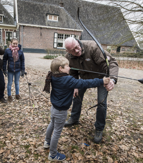 Kou teistert Middeleeuws Weekend bij Dragonheart in Enschede