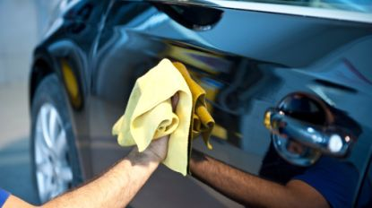 2 op de 3 arbeiders lopen tegen de lamp bij gerichte controles in carwashsector