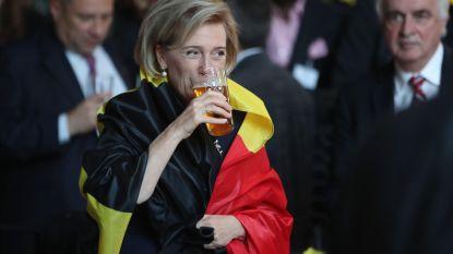 IN BEELD: prinses Astrid juicht voor Rode Duivels, ook al is ze in het buitenland