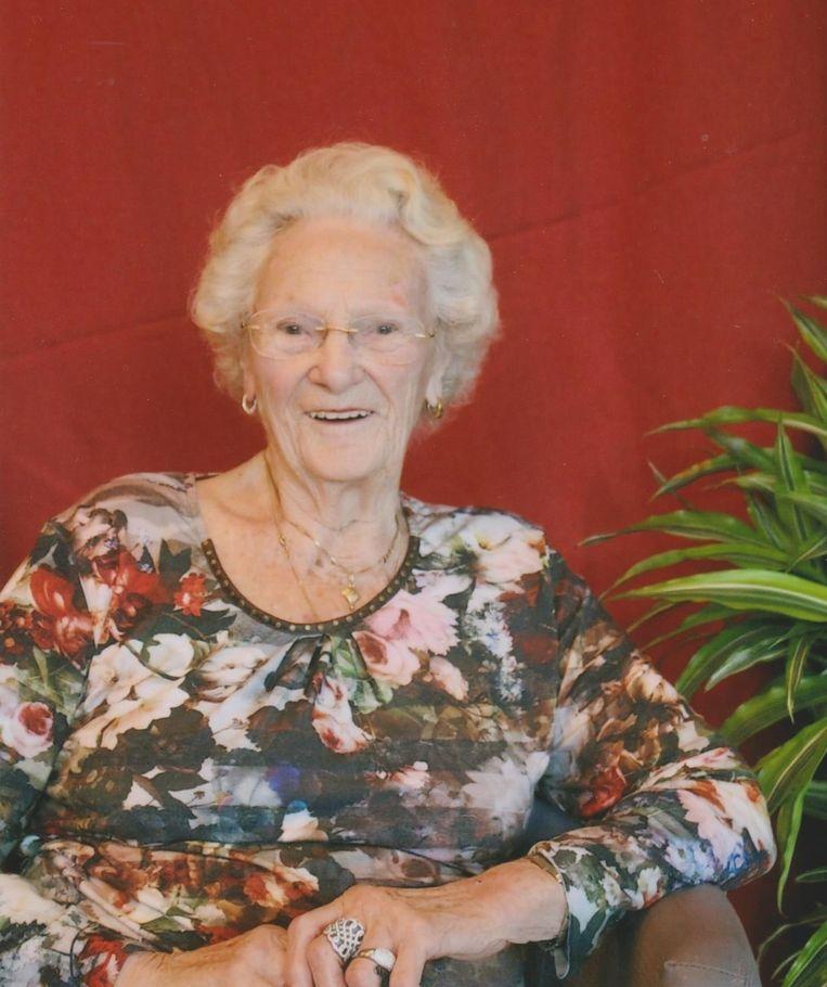 Stephanie De Backer (96) overleefde in 1944 de inslag van een Duitse V2-bom op de Antwerpse cinema Rex.