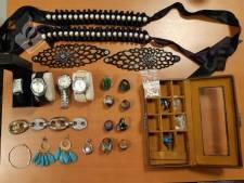 Politie IJsselstein/Lopik zoekt eigenaar van vermoedelijk gestolen sieraden
