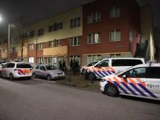 Politie valt woning binnen aan Parallelweg Den Haag