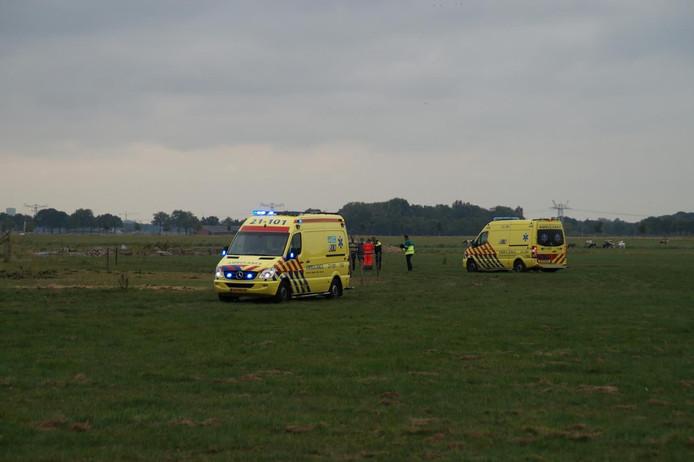 Een man uit Hedikhuizen werd woensdagmiddag aangevallen door een stier.